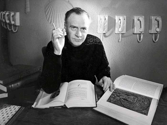 Il nuovo spot Lavazza Chaplin: foto di Marshall McLuhan