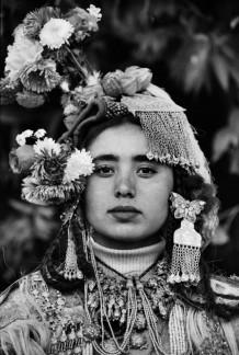 Intervista a Laura Salvinelli: ragazza tibetana, 2004 by Laura Salvinelli