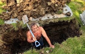 Perché le sinossi sono nemiche della letteratura: Willie scava la fossa